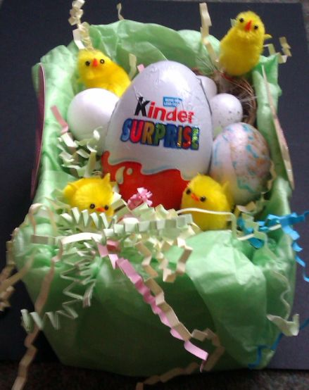 kinder_basket